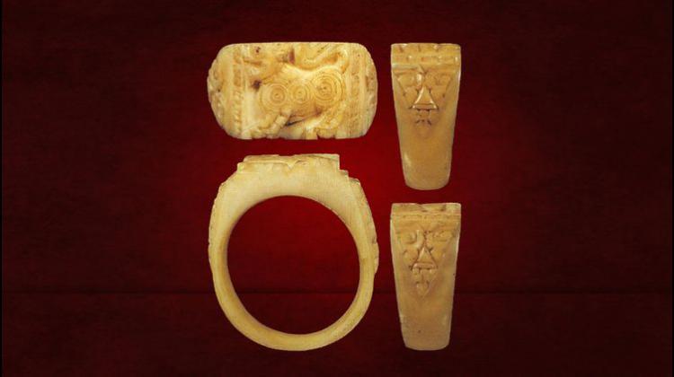 แหวนสิงห์ งาแกะ สามขวัญ พระครูภาวนานุโยค (หอม จันทโชโต) วัดชากหมาก จ.ระยอง